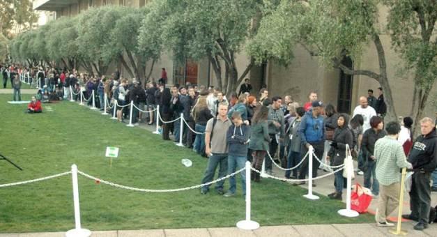 Une foule énorme attendait cette très intéressante conférence
