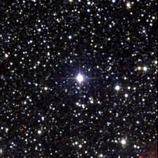L'étoile Proxima du Centaure a été imagée avec le Two Micron All Sky Survey (2MASS). Elle est bien visible au centre de cette image. © DP