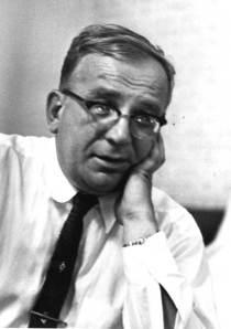Le physicien George Gamow a été le premier à comprendre que les ondes de matière quantique pouvaient traverser des barrières d'énergie interdisant classiquement des réactions nucléaires et chimiques. Il a ainsi découvert l'effet tunnel. © AIP, Emilio Segre, Visual Archives