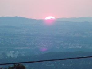 vue aérienne depuis la table d'orientation du Mont st vincent située à 600m environ d'altitude) crédit photo: investigations ufoetscience et cercle suricate 71