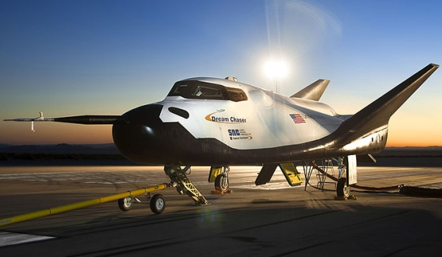 vaisseau spatial Dream Chaser Lire la suite: http://french.ruvr.ru/news/2014_01_24/Dream-Chaser-ira-dans-l-espace-en-2016-1621/ Photo : en.wikipedia.org