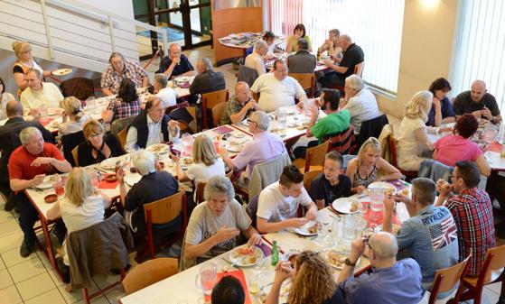 crédit photo: ovni à table Bourg en Bresse 06/06/2014