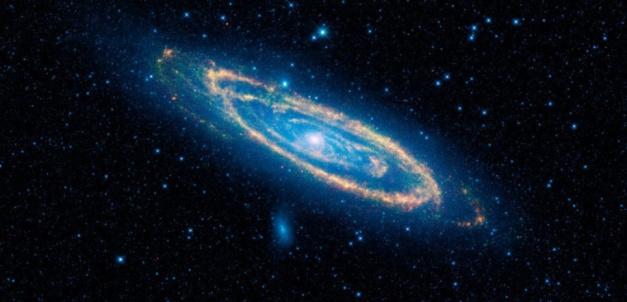 Image de la galaxie Andromède capturée dans l'infrarouge (fausses couleurs). NASA/JPL-Caltech/WISE Team
