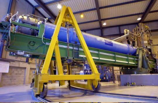 Le Solar Telescope Axion CERN (CAST) est une expérience à la recherche de particules hypothétiques appelées «axions». Crédit/CERN